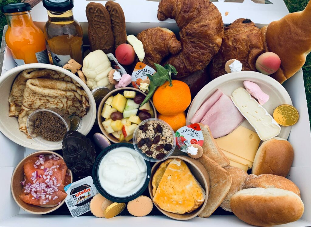 Ontbijtbox Sinterklaas Sint-Maurus-Hoeve en Mub'art